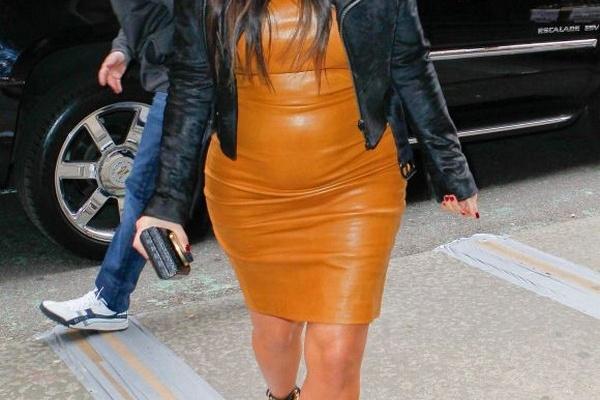 Kim-Kardashian-Pregnant-in-a-Leather-Dress
