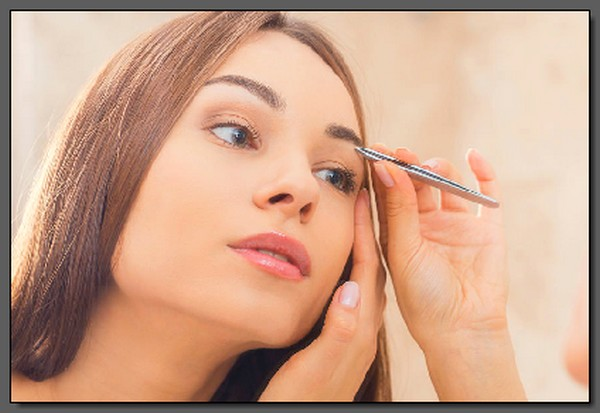 Plucking-Cross-Eyebrow